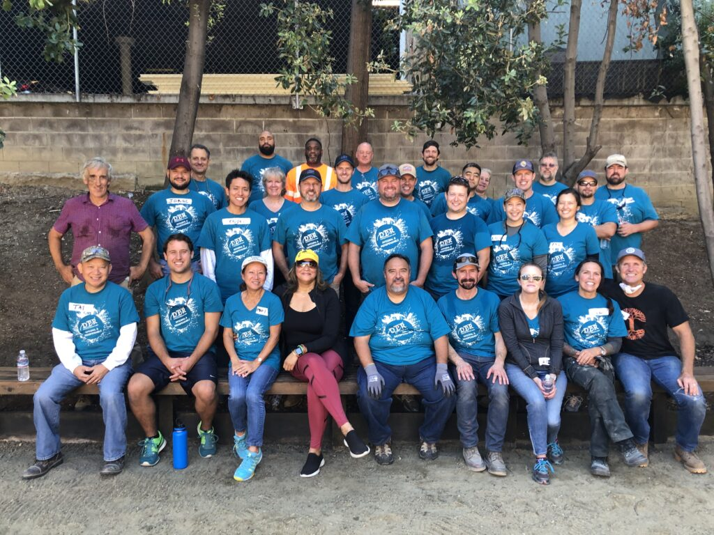 volunteergroup-waystgive-photo